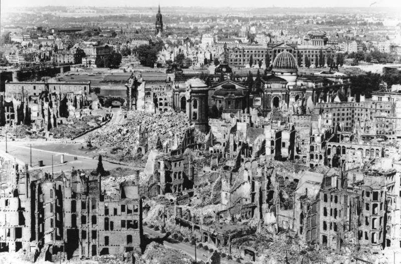 Dresden war damage 1945